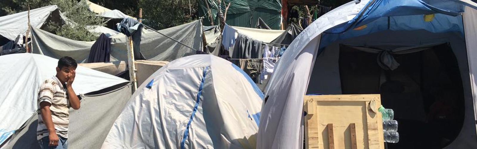 Aid workers warn of catastrophe in Greek refugee camps